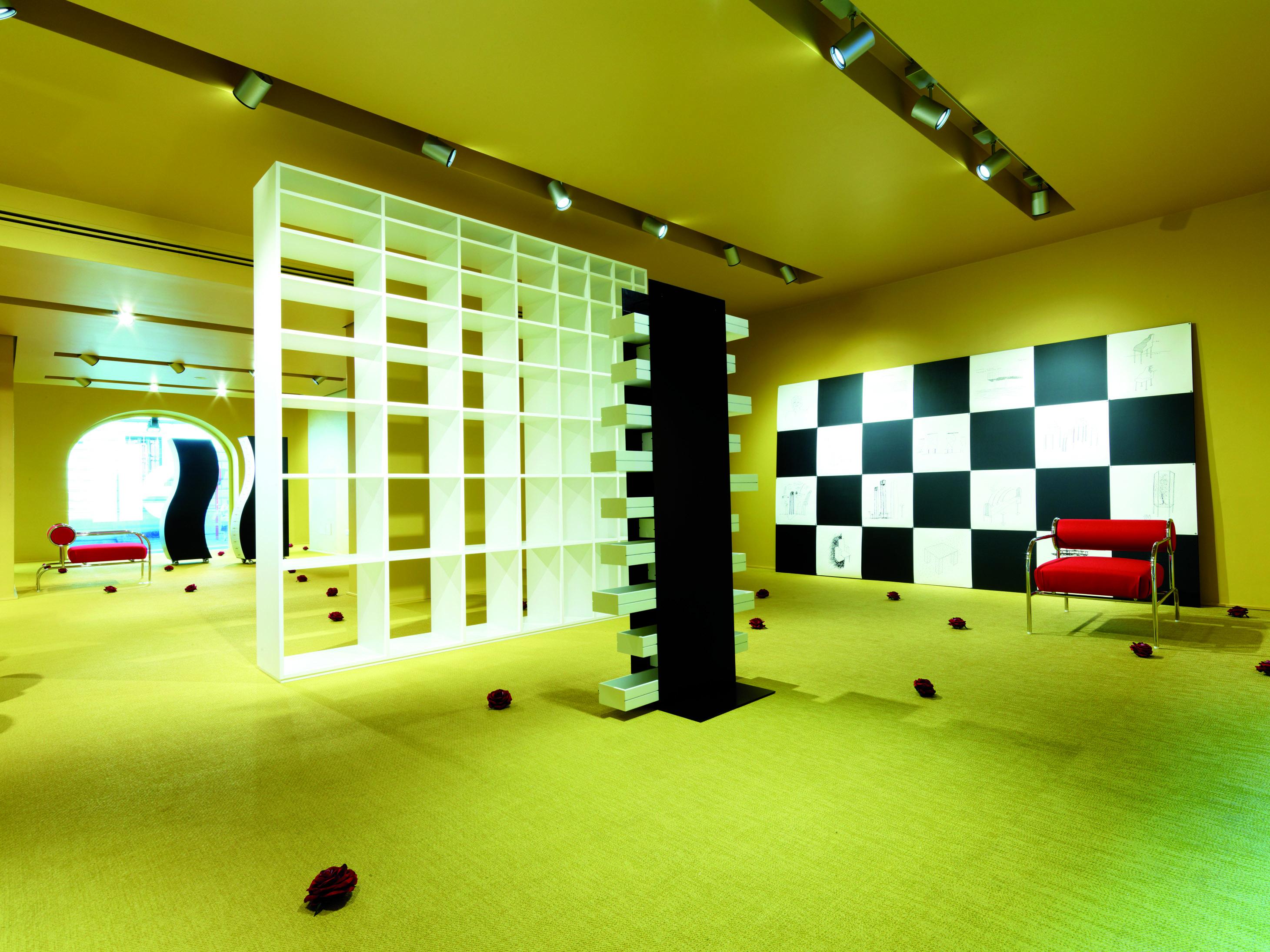 Showroom Milano allestimento Kuramata