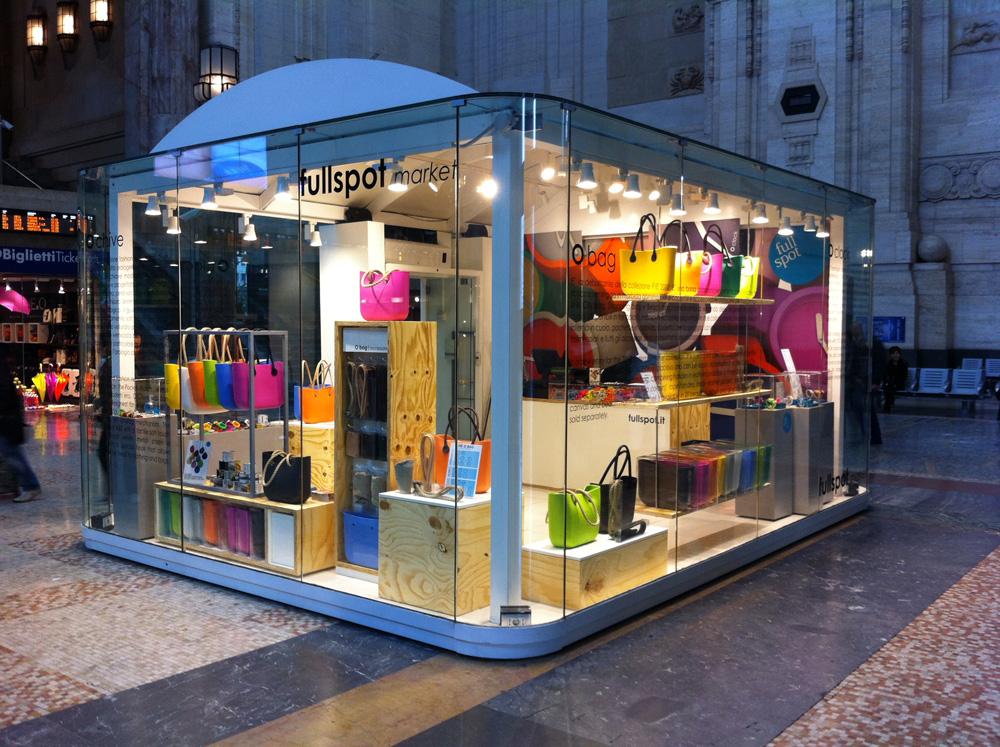 Fullspot aperto il temporary shop shopping milano roma for Milano shop