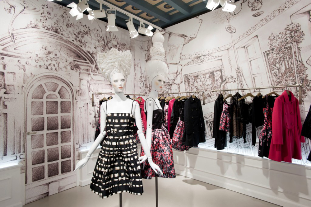 huge selection of d14f1 f9e2c Red Valentino Online Shop Sale | Mount Mercy University