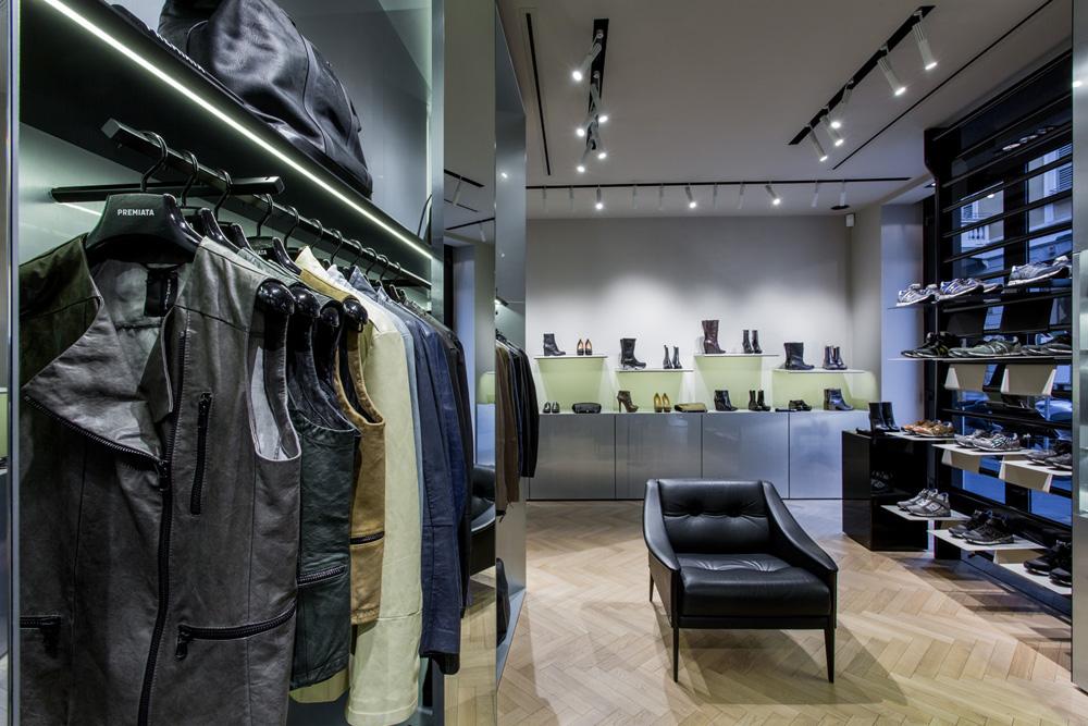 essential home midcentury furniture premiata milano fashion store vincenzo de cotiis architects Premiata Milano Premiata Milano: A Fashion Store Designed by De Cotiis Architects IMG 7679
