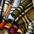 The Burberry Scarf Bar - Classic Cashmere Scarve_002