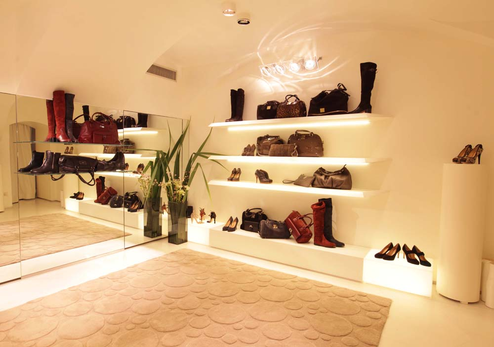 Ballin inaugura la nuova boutique - Shopping Milano Roma fee9ee84e9d7