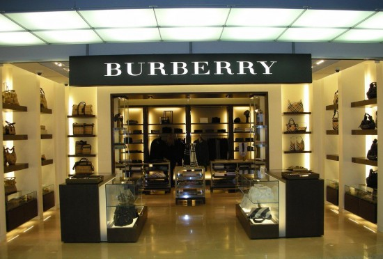 Burberry a linate shopping milano roma for Outlet design milano