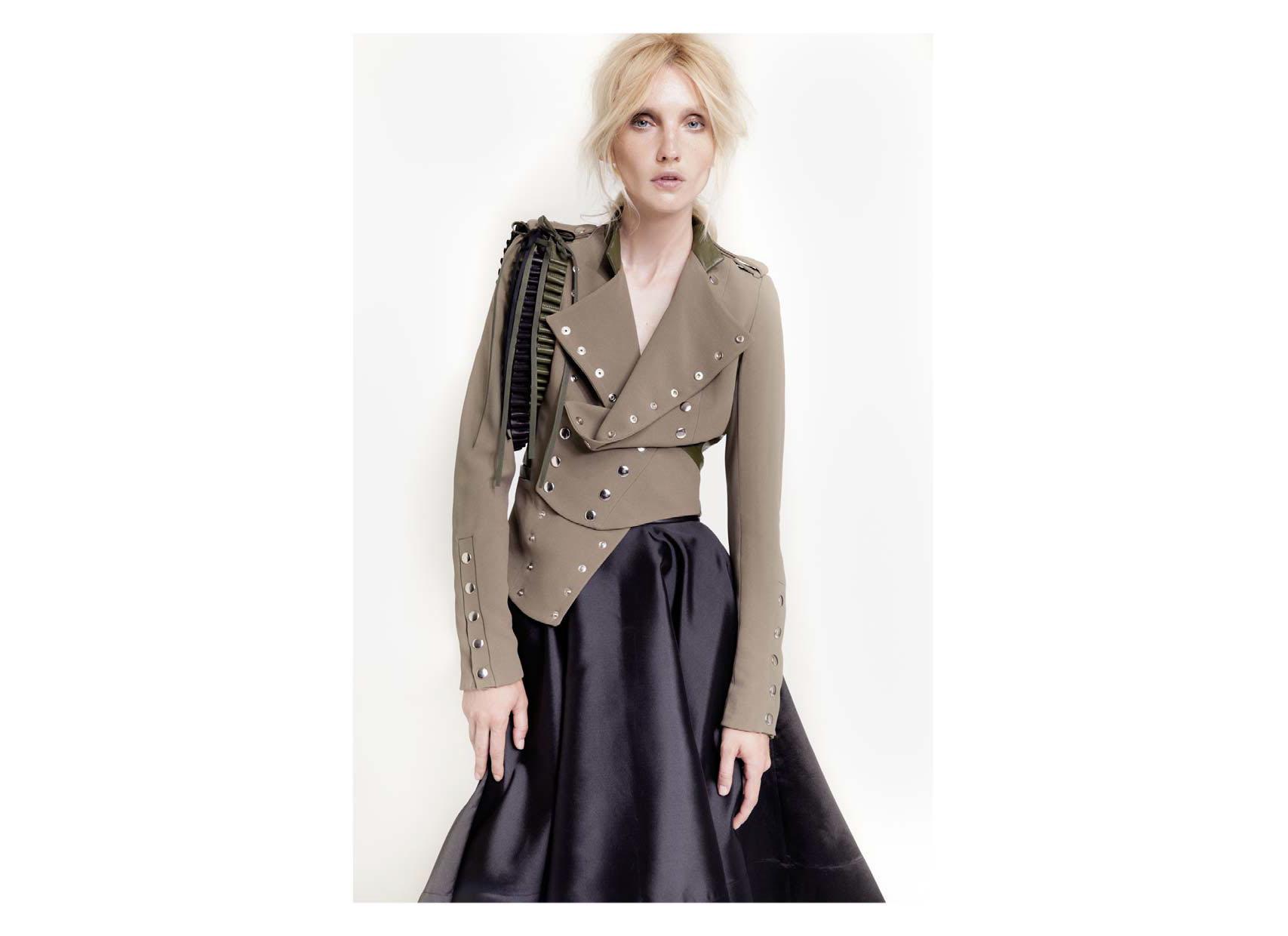 best website caca0 a6e89 Look militare: la giacca doppiopetto Sveta - Shopping Milano ...