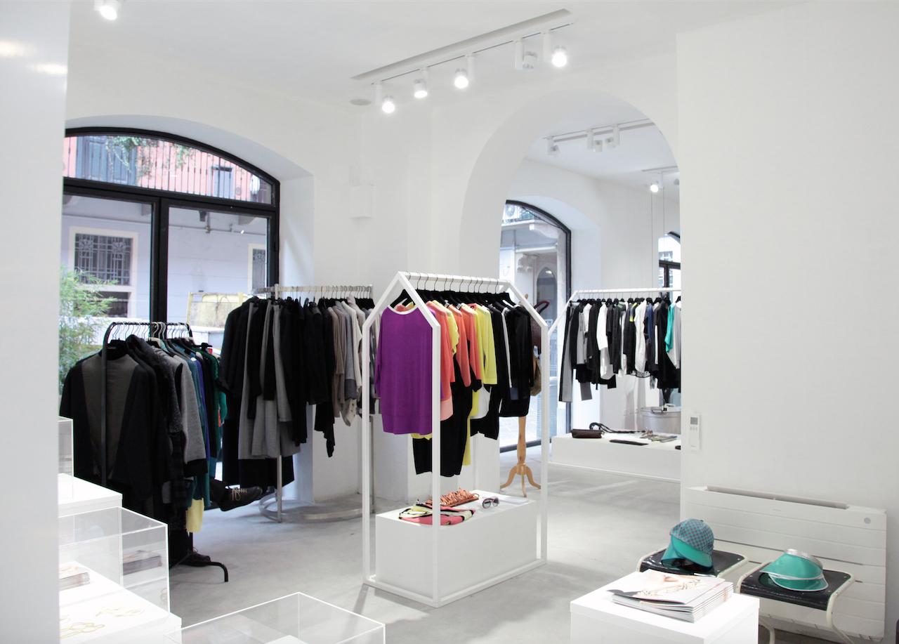 Bang Slang! apre a Milano uno spazio dedicato alla creatività e alla moda 94135c21f46