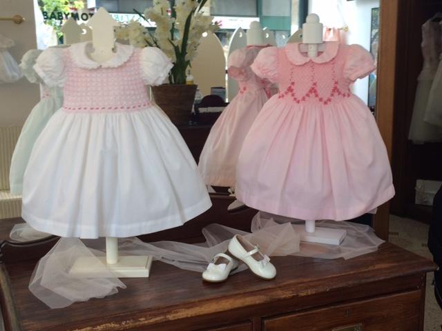 quality design a21e7 f4532 Abiti colorati e raffinati per le cerimonie dei bambini ...