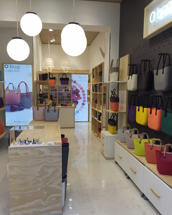 Full Spot apre il quarto O bag Store a Milano - Shopping Milano Roma b9f7584bfec