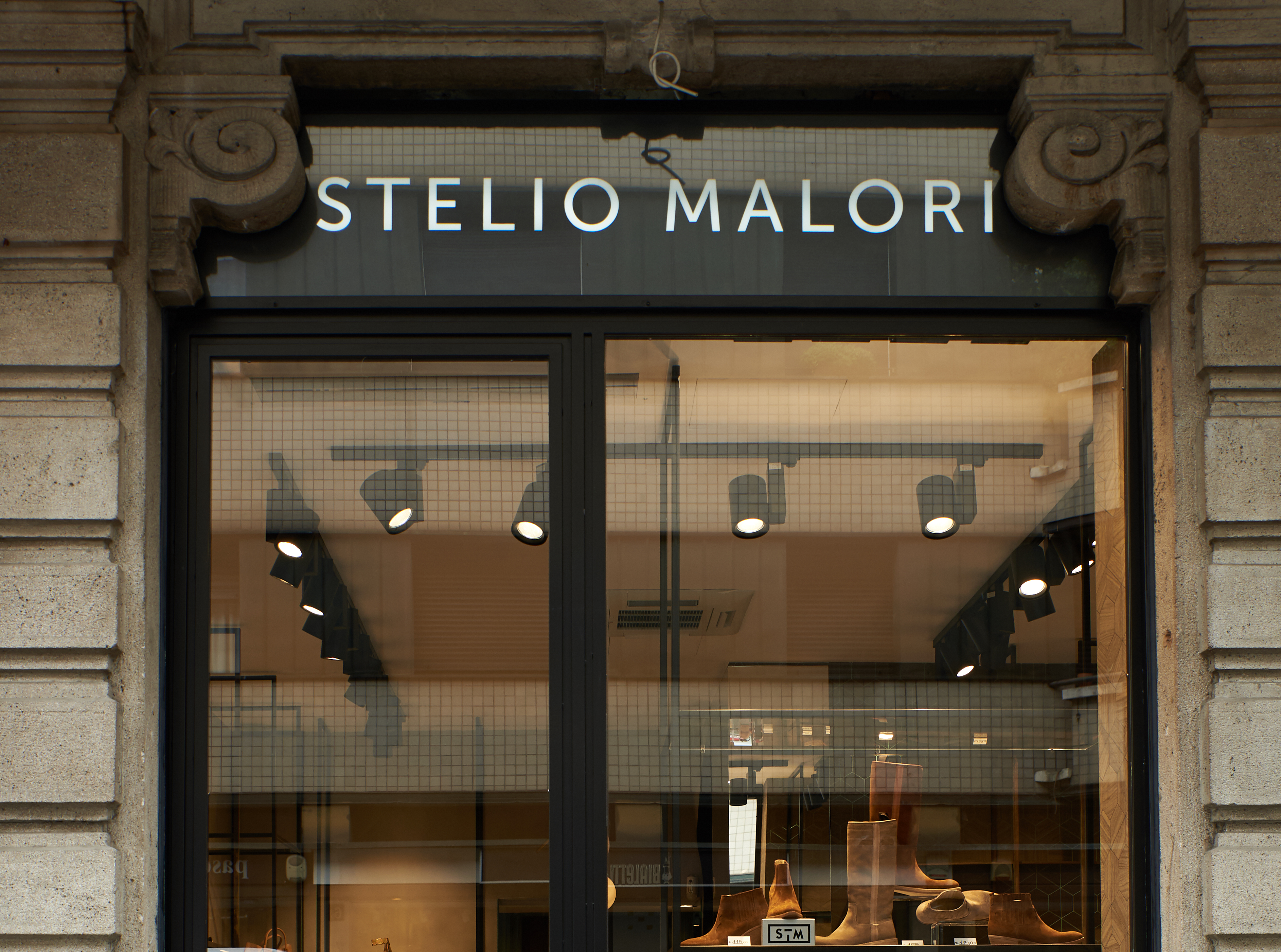 design senza tempo f920d 8e98e Stelio Malori: le milanesi chic aggiungano un nuovo ...